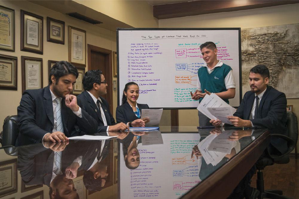 Jardín, escuela y colegio con educación bilingue en ecuador